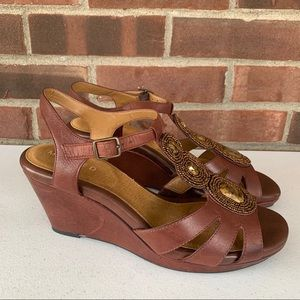 Like new Michelle D brown leather wedge sandals